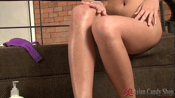 Oriental Solo With Sexy Aun